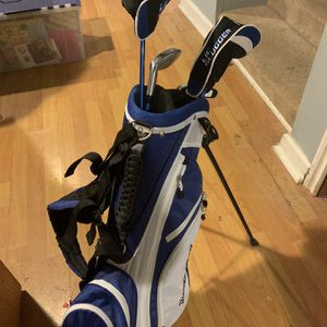 Juniors Golf Bag And Clubs for Sale in Renton, WA