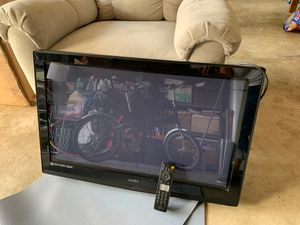 Visio 32 inch Wall mount TV for Sale in San Diego, CA