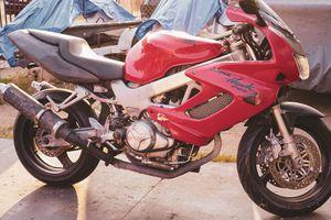 1998 Honda Super Hawk 996 - Motorcycle for Sale in Los Angeles, CA