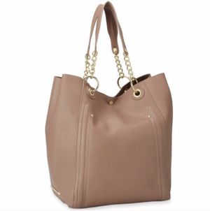 STEVE MADDEN Bwilde Rose taupe chain tote!! for Sale in Chicago, IL