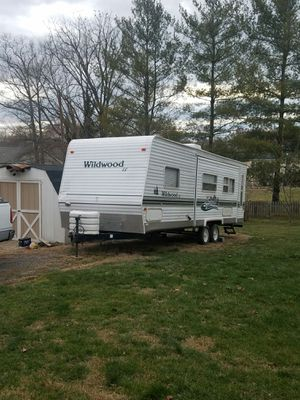 RB Camping trailer 2004 for Sale in Raccoon Ford, VA