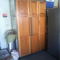 """Refrigerator Freezer Locks And Runs Great Or Best Offer Viking W 48""""x H83"""" X D 24"""" for Sale in Fontana,  CA"""