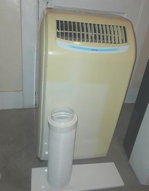 PORTABLE AIR CONDITIONER BLOWS VERY COLD 10000 BTUS COMES WITH EVERYTHING U NEED TO INSTALL AT UR HOUSE INCLUDING THE HOSE AND WINDOW KIT $150 for Sale in La Habra Heights, CA