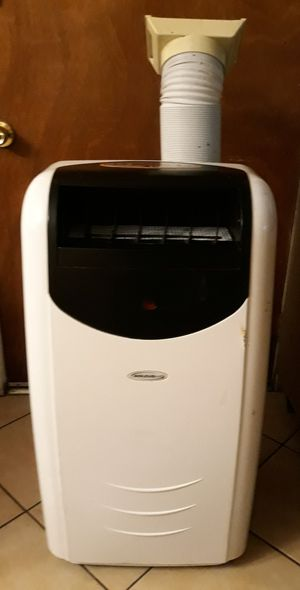 (SOLEUS AIR) PORTABLE AC UNIT WITH HEATER & DEHUMIDIFIER for Sale in Los Angeles, CA