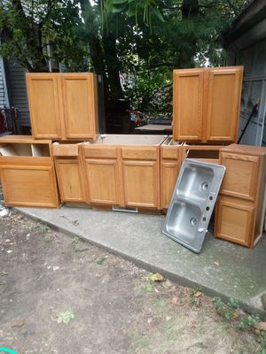Kitchen set for Sale in Cleveland, OH