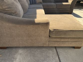 Beautiful u Shape Sectional for Sale in Burleson,  TX