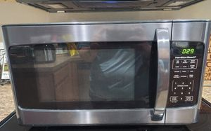 Hamilton Beach 1.1 Cu. Ft. 1000W Stainless Steel Microwave for Sale in Plant City, FL