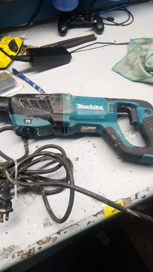 Makita hr2641 concrete hammer drill for Sale in Jacksonville, FL