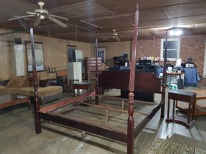 NAME BRAND KING SIZE BEDROOM SET for Sale in Julian, NC