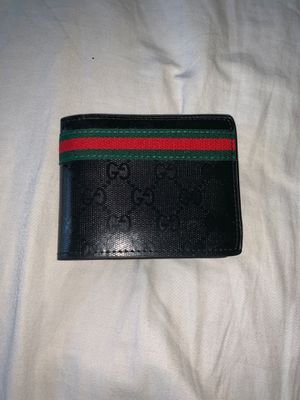 Bi fold gucci wallet for Sale in Saint Charles, MD