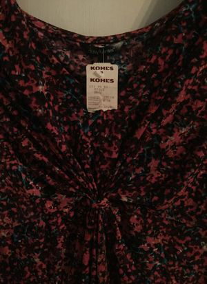 New Daisy Fuentes Shirt size XL...Reduced to $7.00 for Sale for sale  Fairless Hills, PA