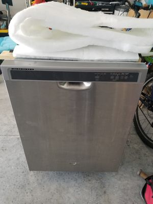 Whirlpool Dishwasher 1 year old for Sale in Ponte Vedra Beach, FL