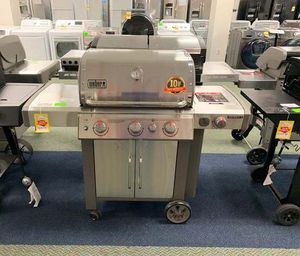BRAND NEW WEBER GAS GRILL 403WF for Sale in Temple City, CA