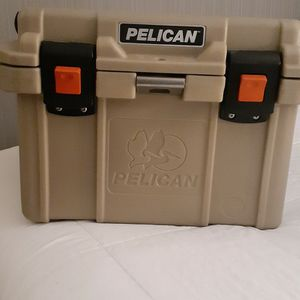 Pelican 20qt Cooler for Sale in San Diego, CA