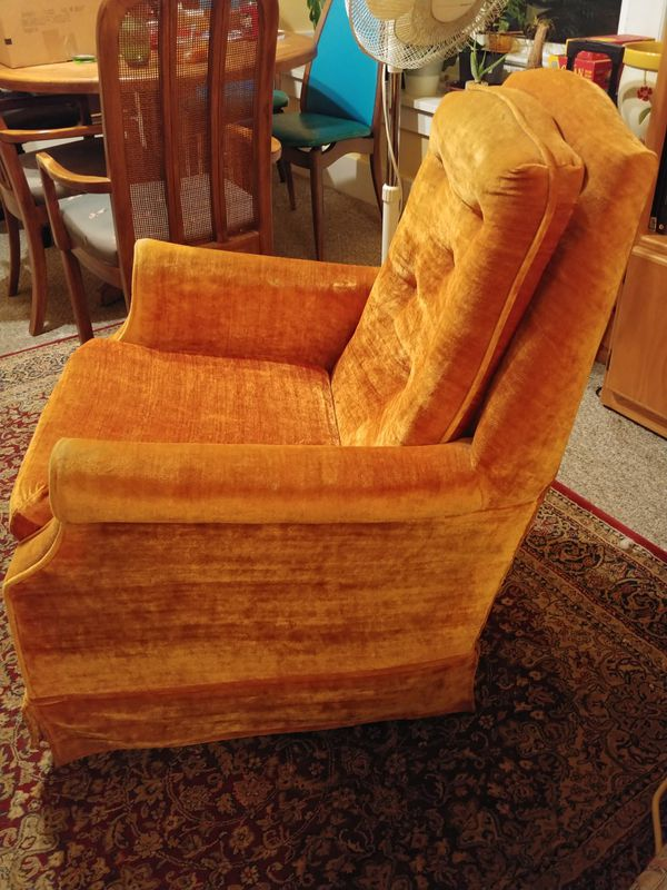 Comfy Vintage Swivel Chair For Sale In Seattle Wa Offerup