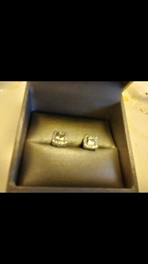 1.5 carts diamonds 24 carts white gold Platinum & diamond ears rings for Sale in York, PA