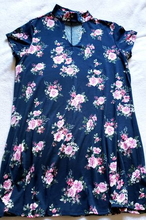 Women's Dress Navy floral size large L for Sale in Pittsburg, CA