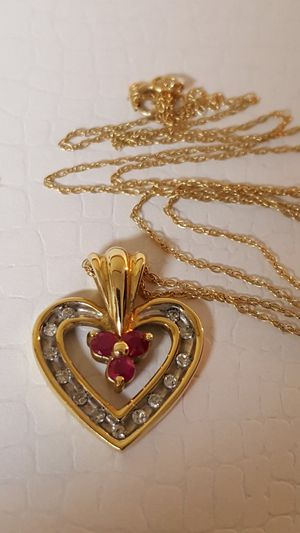 "Beautiful 10k Real gold, Diamonds & Ruby, Vintage Necklace & Heart Pendant 2.03grs Size 17""inches for Sale in Covington, KY"