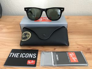 Authentic Shiny Black Ray Ban Original/Classic Wayfarer 50mm for Sale in Berkeley, CA