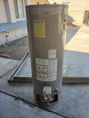 40 gallon water heater for Sale in San Bernardino, CA