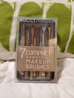 New 7 Makeup Brush Set for Sale in Dallas, TX