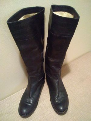 Via Spigia black leather knee high boots Woman's 8 1/2 for Sale in Portland, OR