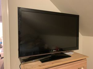 """LG TV 42"""" 1080p for Sale in Franklin, TN"""