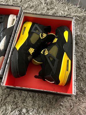 Jordan 4s thunder size 9.5 for Sale in Fresno, CA