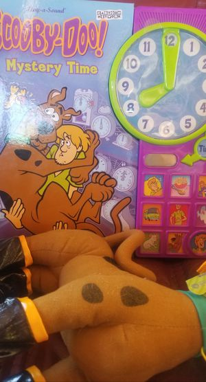 FIREHOUSE SCOOBY DOO PLUSHY+ MYSTERY TIME BOOK for Sale in Phoenix, AZ