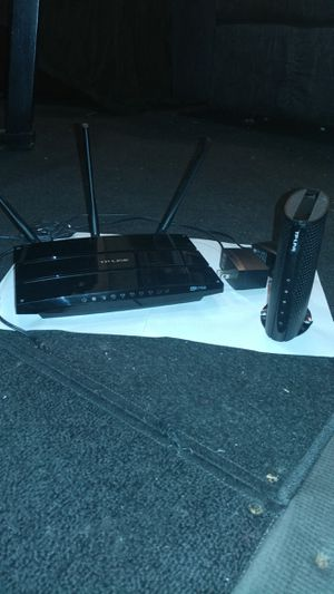 TP-LINK ROUTER AND CABLE MODEM for Sale in Wichita, KS