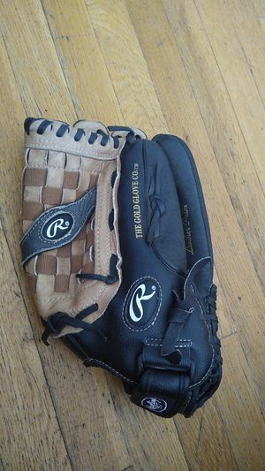 Rawlings 14-Inch Softball Glove Mitt for Sale in Chicago, IL