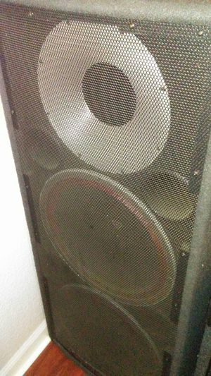 Cerwin vega v252 speakers for Sale in Patterson, CA