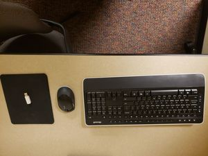 Microsoft wireless keyboard and mouse 3050 for Sale in Kansas City, MO