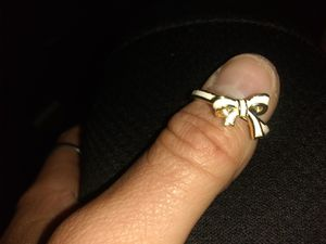 GoLd StamPed WHiTe AcRylic BoW RiNg for Sale in Woods Cross, UT