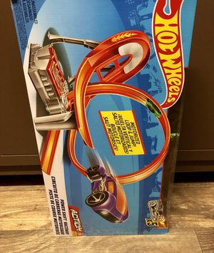 Hot wheels Action. Excellent condition for Sale in Stone Mountain, GA