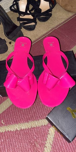 Hot pink sandals size 8 for Sale in Elgin, IL