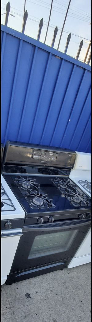 Black whirlpool stove appliance!!! for Sale in Los Angeles, CA