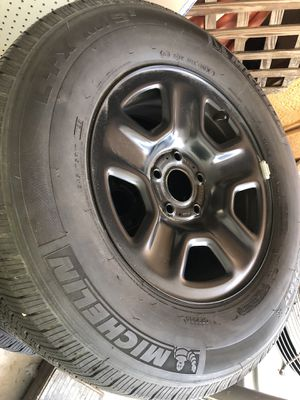 5 New Michelin tires with factory Jeep Wrangler wheels 245/75R 17 for Sale in St. Petersburg, FL