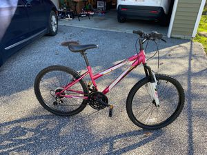 """Girls 24"""" Mountain Bike for Sale in Willoughby, OH"""