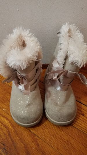 Girl toddler boots size 6 for Sale in Houston, TX