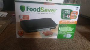 New Vacuum sealer with bags and roll for Sale in Henderson, NV