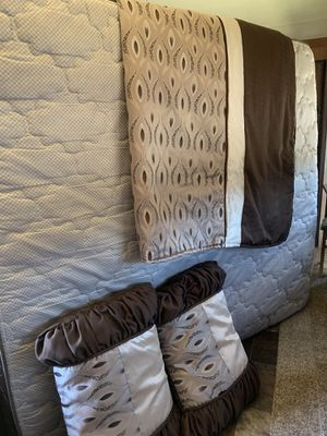 RV king mattress and 2 pillow covers for Sale in Lompoc, CA