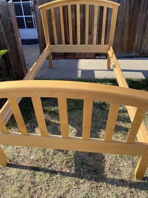 Twin sized bed frame solid wood like new condition and antique full sizes bed great condition also both has all the parts for Sale in Huntington Beach, CA