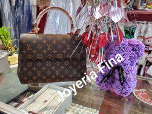 High quality handbag for Sale in Marietta, GA