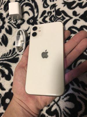 iPhone 11 white 64gb bad imei for Sale in Auburn, WA