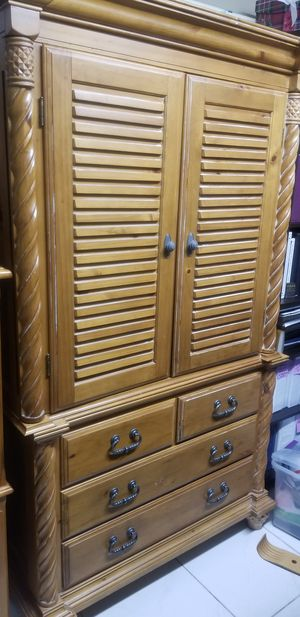 Armoire/Dresser for Sale in Miami, FL