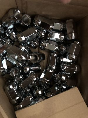 JEEP 20PC 12X1.5 CHROME WHEEL LUG NUT BULGE ACORN CONICAL SEAT for Sale in Western Springs, IL