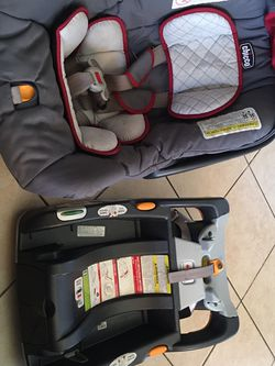 Chicco Baby Car Seat for Sale in Stockton,  CA