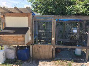 10ft huge chicken coop for Sale in Pompano Beach, FL