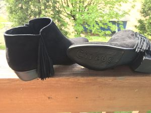 CIRCUS Sam Edelman black fringe suede booties, size 10 for Sale in Salem, OR